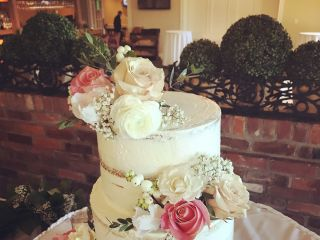 Sweet Couture Cakes by Adele 3