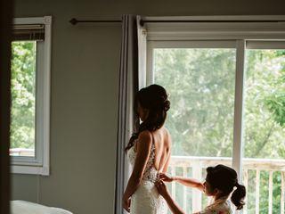 Blü Ivory Bridal & Evening 5