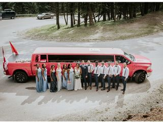 AM PM Limo & Party Bus Calgary 3