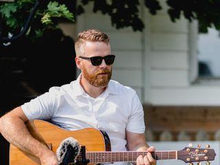 Gareth Bush - Singer Guitarist 1