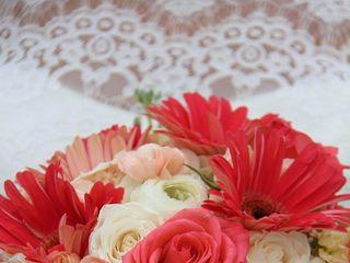Petitpaw Designs Florist 4
