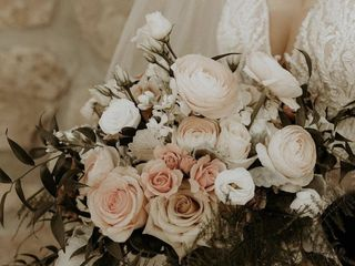 First Comes Love Weddings & Floral Designs 3