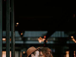 Emily Nicole Photos 4