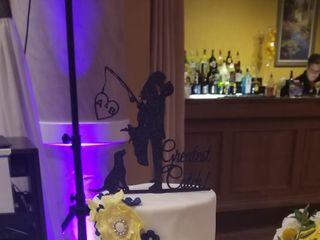 Charismatic Cakes by Jenn 1