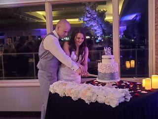 SWIRL Custom Cakes & Desserts 1