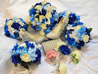 Mandys Floral and Wedding Designs 6