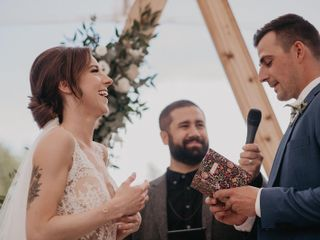 Urban Officiant 4