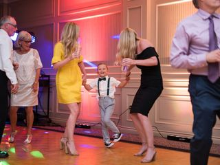 Dynamic Weddings - DJ services 4