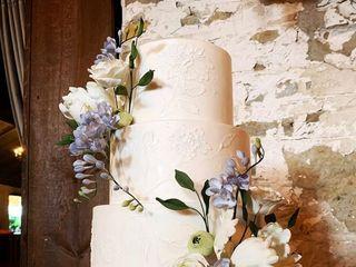 Finespun Cakes & Pastries 1