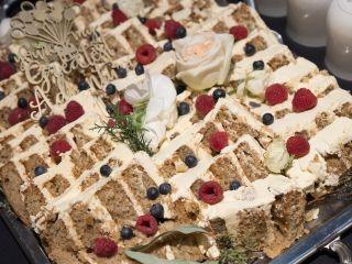 Willow Cakes & Pastries 5