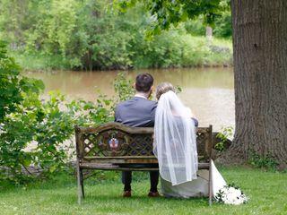 Elope Niagara's Little Log Wedding Chapel 7