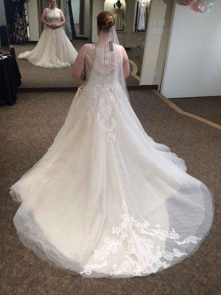 Not my veil but a similar look