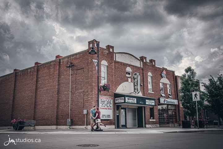 Engagement shoot - Wales Theatre, High River, AB