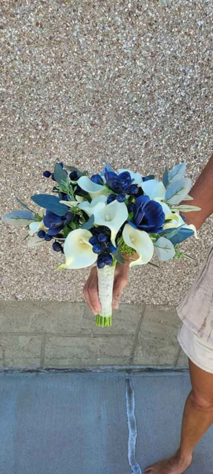 Real vs Faux Flowers for Centrepieces - 6