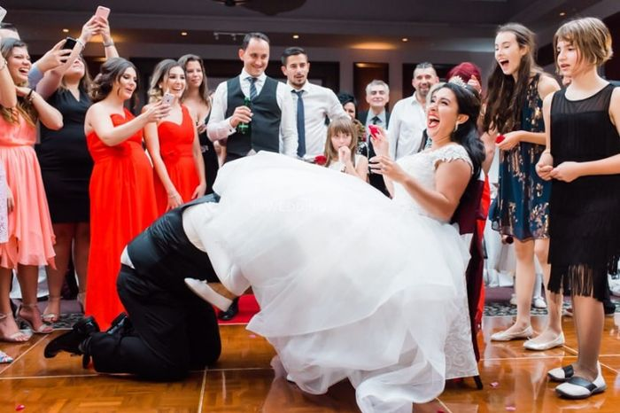 Doing or Ditching: The Garter Toss? 1