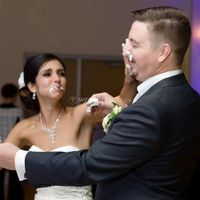 Cake Smash - Cake in Bride and Groom's Faces