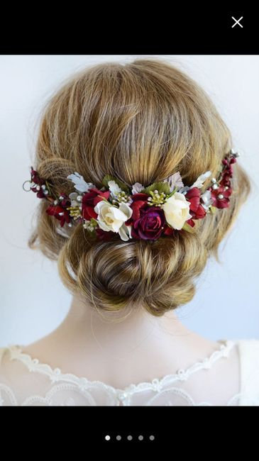 Hair Accessories: Floral or Non-Floral? 3