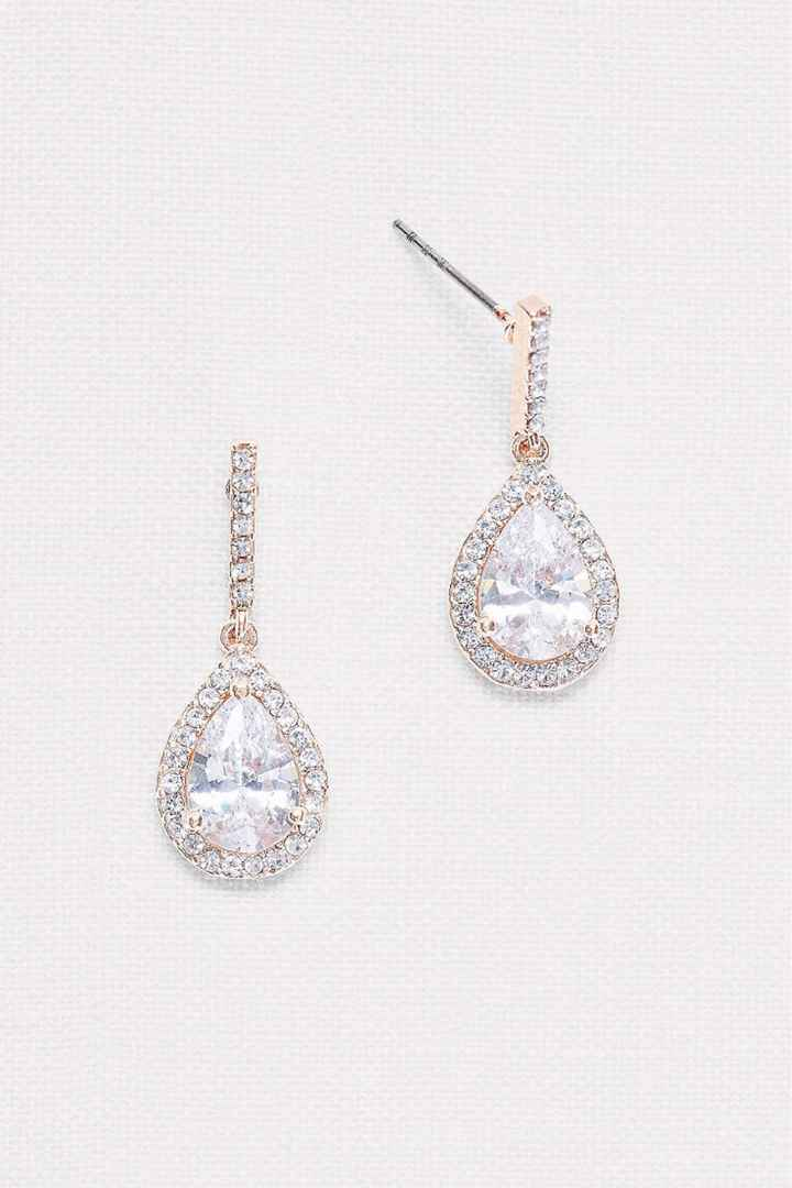 Show off your wedding day earrings - 1