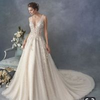 Colors that go well with champagne wedding dress!? - 1