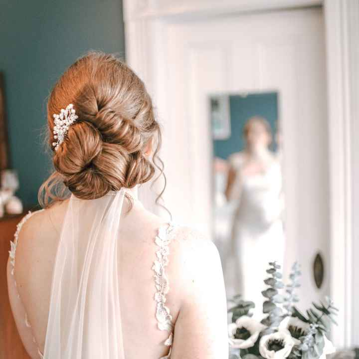 Wedding ball gown with veil. Deciding whether or not i should have a flower comb - 1