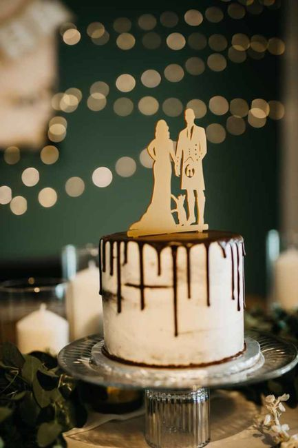 How much did your wedding cake cost? 8