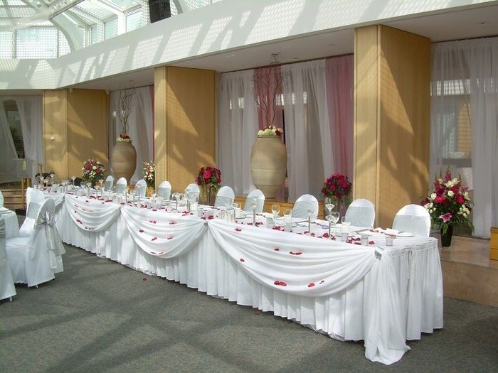 Sweetheart Table Vs. Head Table For Wedding Reception