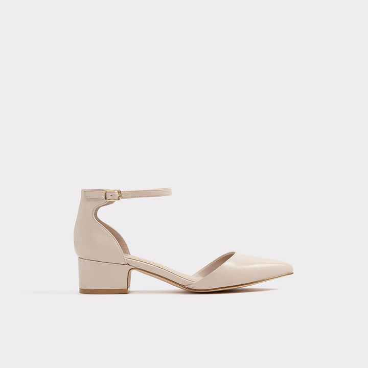 I purchased mine from Aldo! They are more of a blush colour in person, they just didnt have the colo