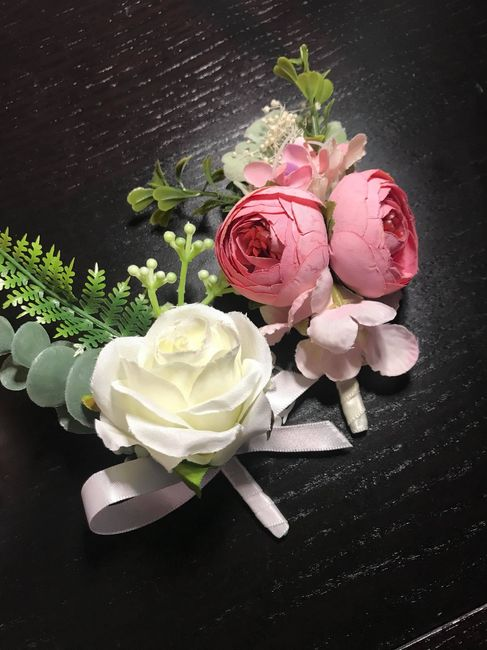 Silk flowers. Are they worth it ?? 2
