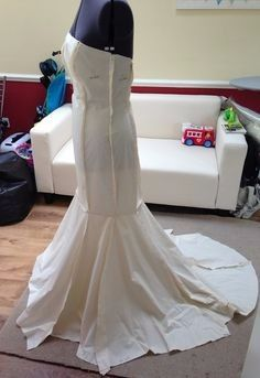10 Steps To Make Your Own Wedding Dress