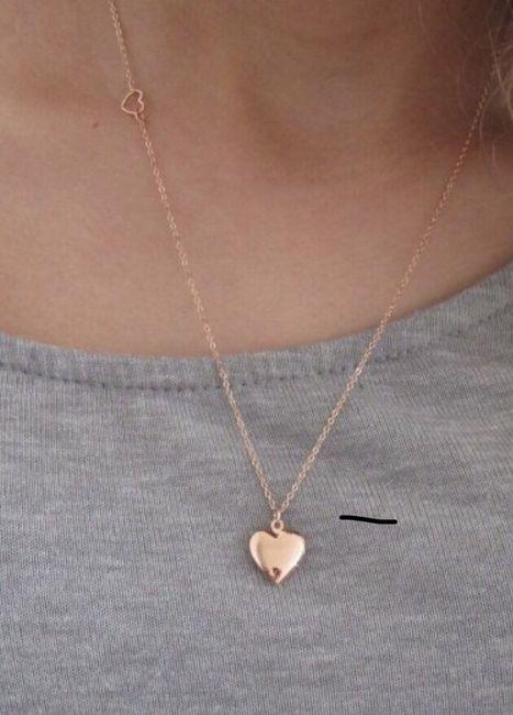 Pearls or locket, diamonds or amethyst? 3