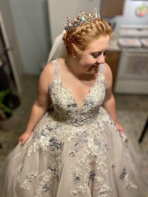 Wearing a crown or tiara for wedding? 2
