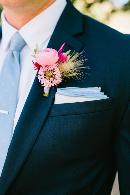 Coordinating the bridesmaids with the groomsmen 5