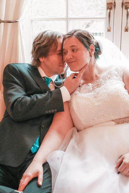 Let's give a cheer for the 51st winners of the WeddingWire contest ❤️ 4