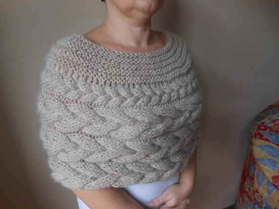 Knitted Capulet