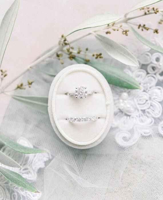 Where to buy velvet ring boxes in Canada? - 1