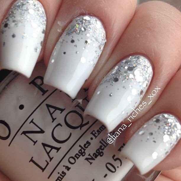 White Silver glitter nails