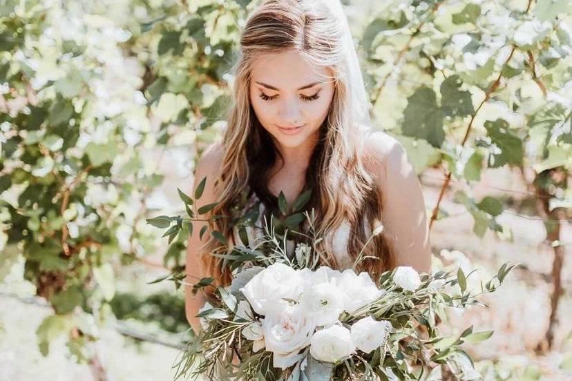 Bridal bouquet arrangement