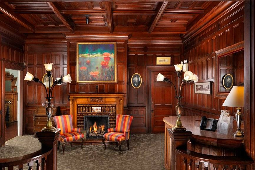 Pendray Inn Lobby